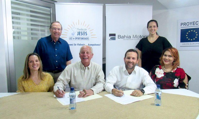 Bahía Motors y Fundación Luz de Oportunidades firman convenio para brindar capacitaciones a jóvenes en riesgo social
