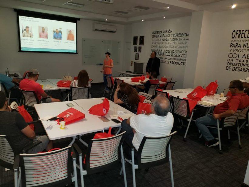 Bahía Motors realiza taller de seguridad para clientes Honda