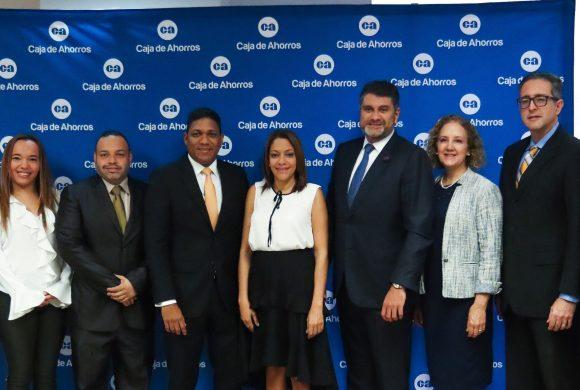 Caja de Ahorros firma convenio que busca reducir la tasa de desempleo juvenil