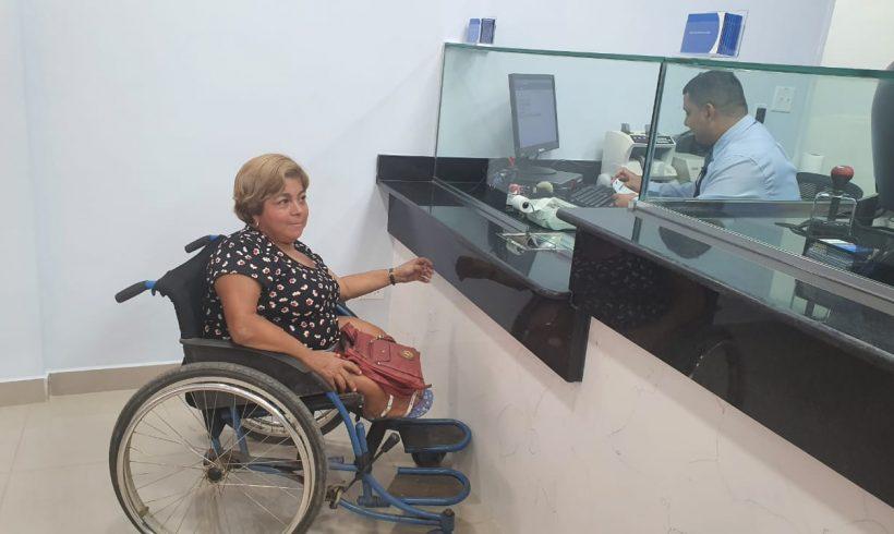 Caja de Ahorros implementa cajas para personas con discapacidad