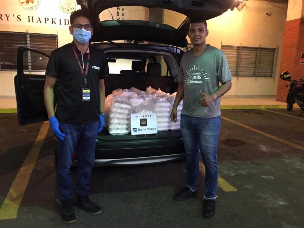 Bahia Motors y Agasajos Chez Marie, se aliaron para llevar almuerzos solidarios a comunidades y sectores en riesgo social