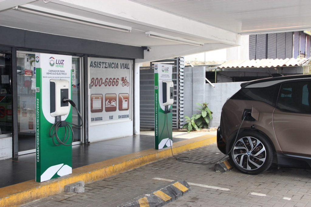 La Casa de las Baterías crea la primera red de cargadores para vehículos eléctricos en Panamá
