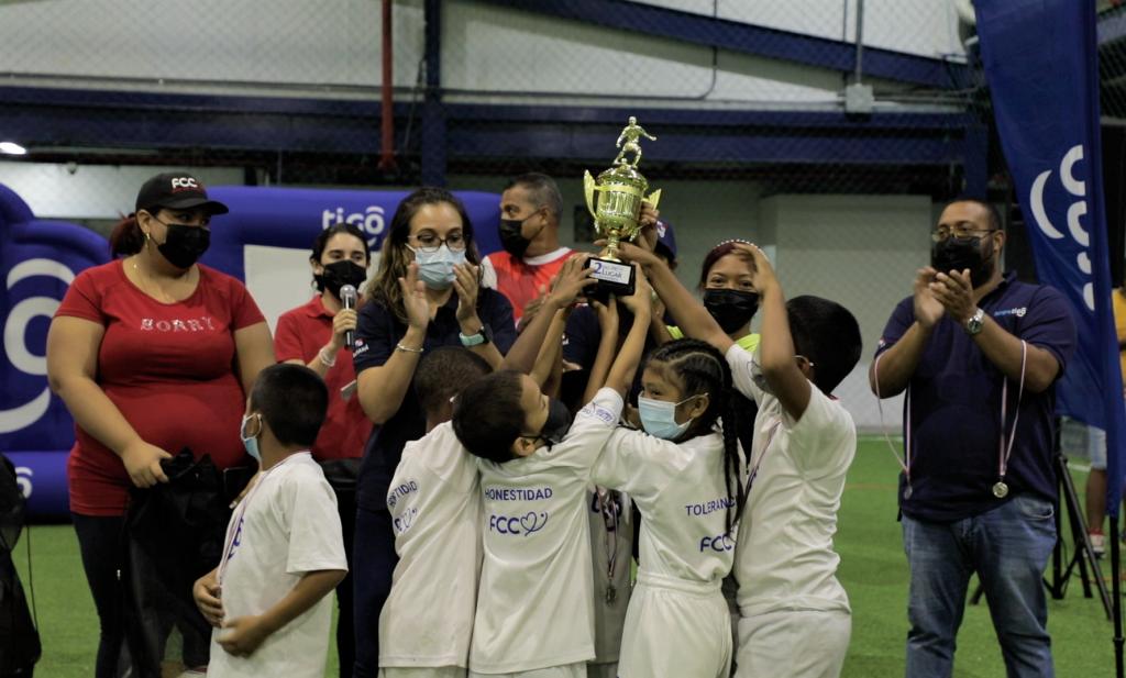 Finaliza exitosamente el Torneo Fútbol Contigo