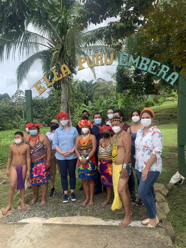 Bahia Motors contribuye a llevar agua potable a la comunidad Ella Purú Emberá en Gamboa