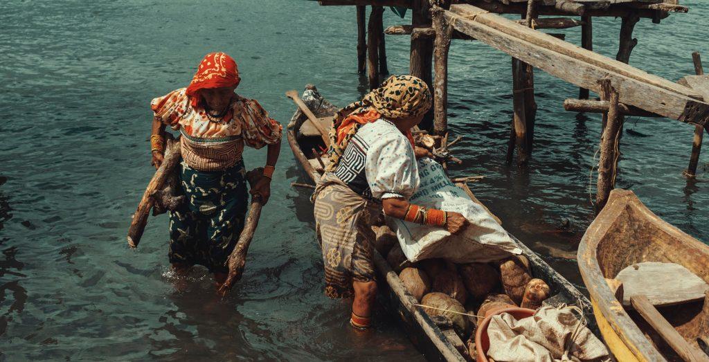 La Mujeres Indígenas y sus aportes en el desarrollo integral y equitativo de las sociedades interculturales